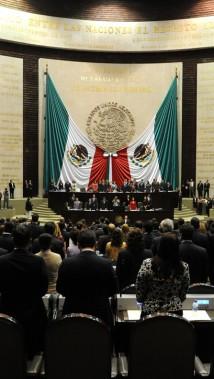 Legisladores y funcionarios